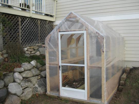 122 DIY Greenhouse Plans You Can Build This Weekend (Free)