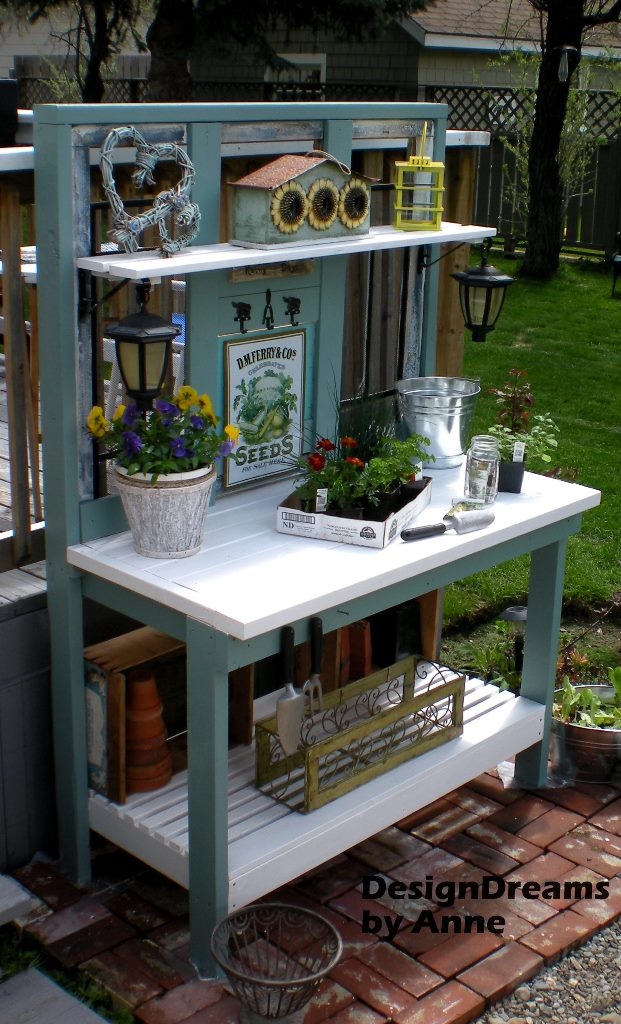 This Is The Potting Bench I Imagine When I Think Of Someoneu0027s Garden Space.  I Love The Colors And The Classic Design Of This Bench.