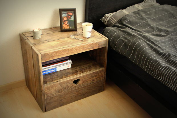 Letu0027s Just Assume I Could Build All Of My Furniture From Pallets And Be  Happy. This Night Stand Would Be No Exception. It Is Beautiful And Even Has  A Little ...