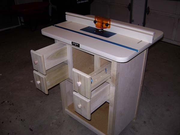 39 free diy router table plans ideas that you can easily build this router tables original idea came from a separate post by a blogger named jane she contributed to the basic build greentooth Image collections