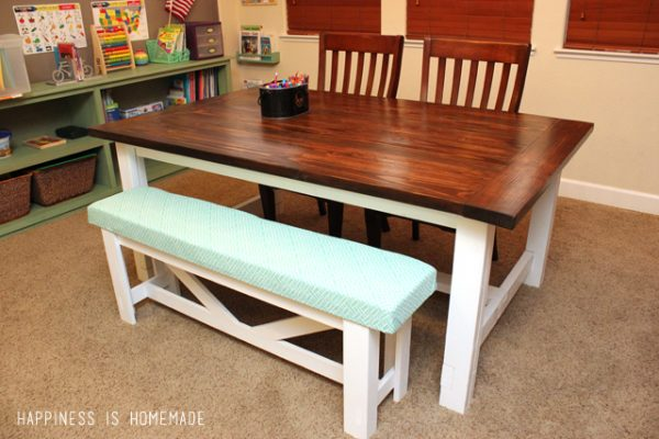 I Love This Table. It Looks So Welcoming And Can Hold Quite A Few People As  Well. To Me, Having A Large Kitchen Table Equates To Having A Welcome Spot  For ...