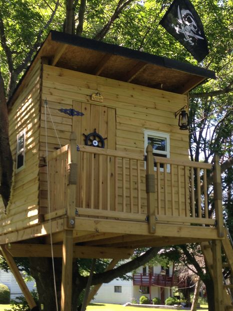30 diy tree house plans design ideas for adult and kids for Free treehouse plans and designs