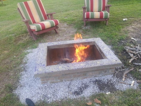 This fire pit is different in comparison with a lot of the others shown.  The reason is that it is rectangular. Plus, it also appears to be lower to  the ... - 57 Inspiring DIY Outdoor Fire Pit Ideas To Make S'mores With Your Family