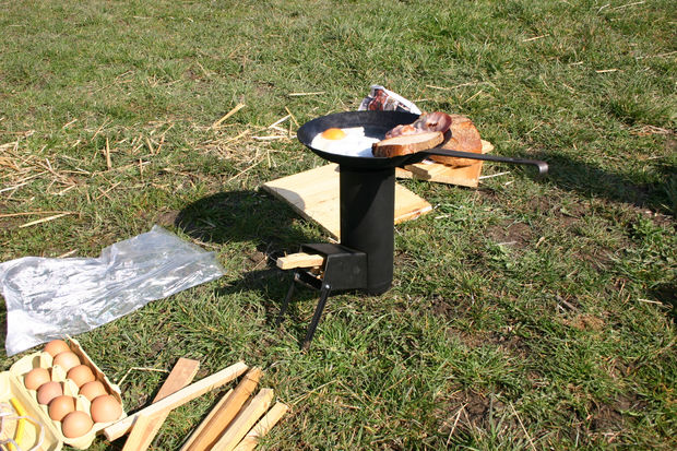 This rocket stove looks really durable. It also looks really nice. To be honest, you wouldn't look at it and think that it was even homemade.