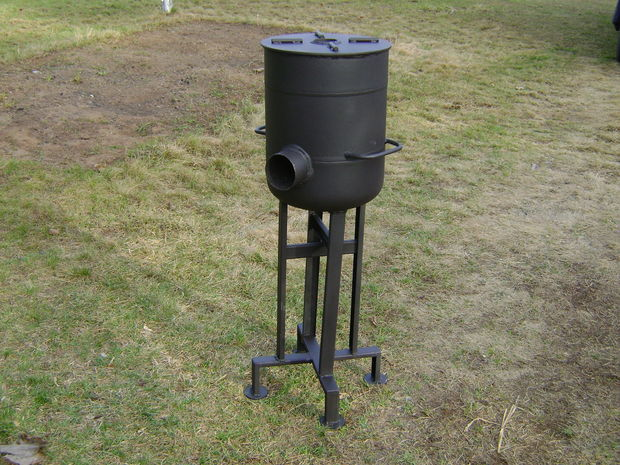 If you are a prepper or just someone that likes to be prepared in case of an emergency, then you'll probably be interested in this particular rocket stove.