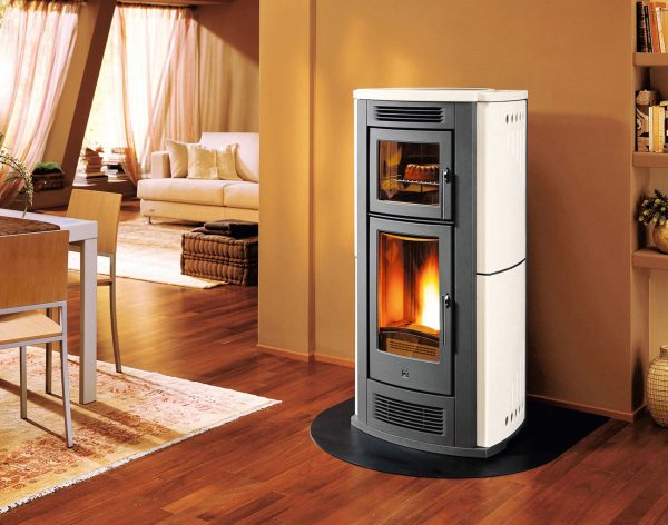 7 Benefits Of Wood Heating And Why Every Homesteader