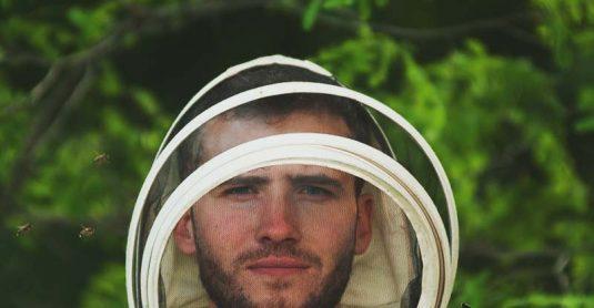 10 Best Beekeeping Suit for Every Beekeeper – Reviews & Buying Guide