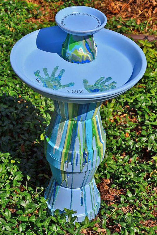 I Am Planning On Making This Bird Bath For My Own Home Upcoming Spring Love How The Paint Just Runs Down Side Of Terra Cotta