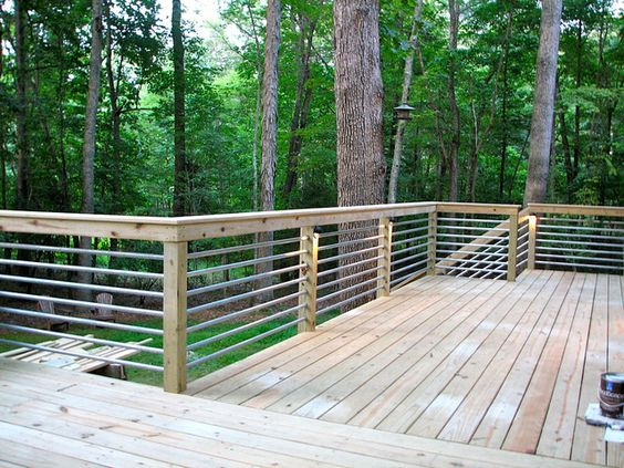 Exceptionnel This Deck Railing Idea Is Unique And Should Be Economical As Well. It Does  Not Contain A Tutorial, But Hopefully You Could Use The Picture As  Inspiration.