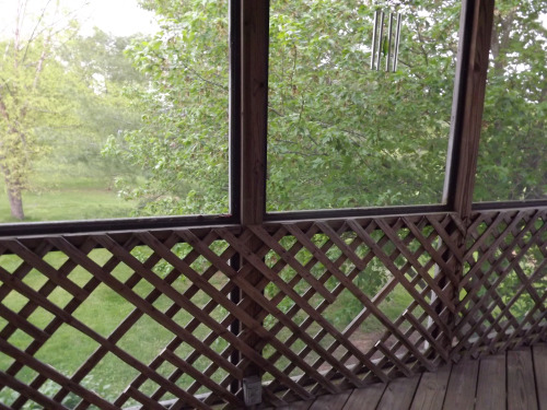 32 diy deck railing ideas designs that are sure to inspire you do you have lattice surrounding your porch maybe you even have it surrounding a screened in porch solutioingenieria Choice Image
