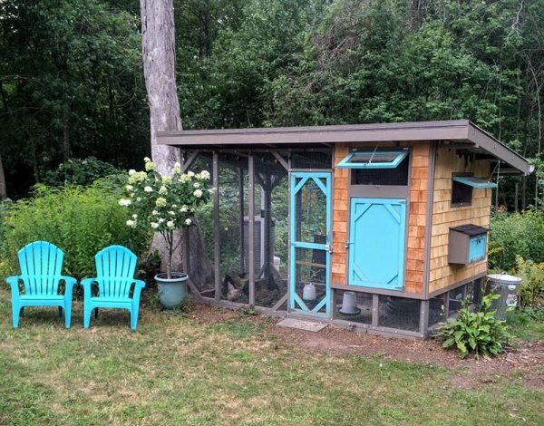 This Chicken Coop Looks Almost Picturesque In Many Ways. It Has A Great  Color Scheme And Really Adds Character To The Yard Where It Sits.
