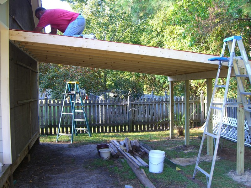 20 stylish diy carport plans that will protect your car from the this lean to carport is meant to be attached to the side of a garage or off of the side of your home if you would like to have a carport that is solutioingenieria Image collections