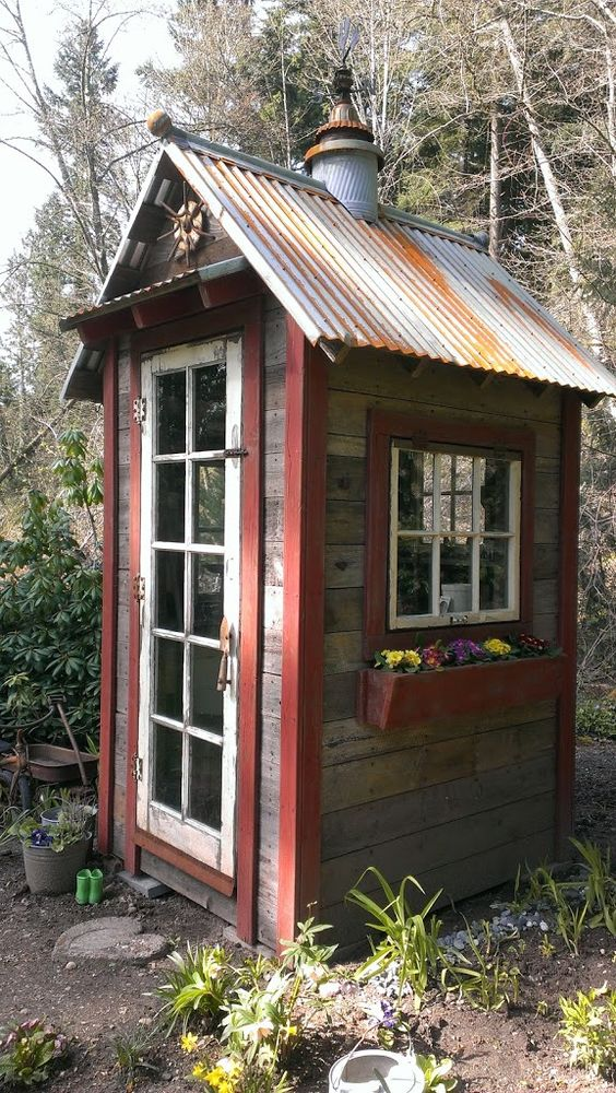 15 diy pallet greenhouse plans ideas that are sure to for Mini potting shed