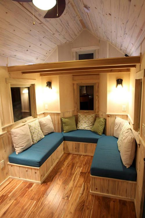10 Cute Tiny Homes With Lofts That Will Fit Four Comfortably