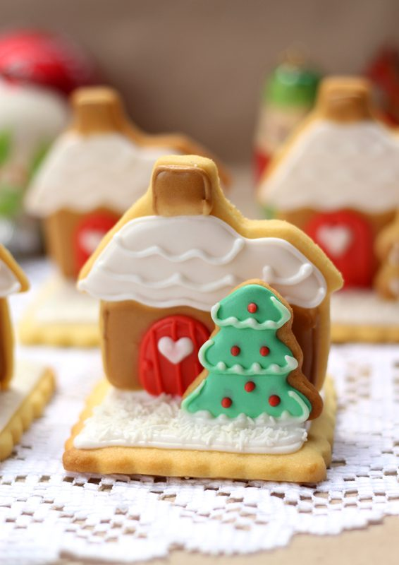 3-stand-up-gingerbread-house-sugar-cookies