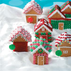 24 easy gingerbread house ideas that are totally worth it these graham cracker christmas houses are like the cheats version of gingerbread houses although this might not be the traditional way to do it solutioingenieria Images