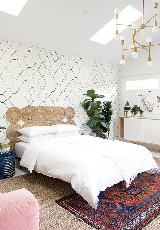 31 unique diy headboard ideas to turn your bed into a masterpiece this idea is genius i probably have some placemats lying around that would do the job just perfectly so its looking like one of the least expensive solutioingenieria Image collections