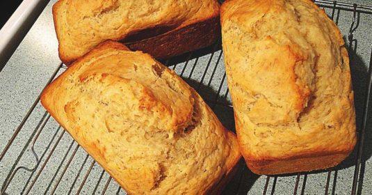 8 Steps to Making a Scrumptious Homemade Hawaiian Banana Bread