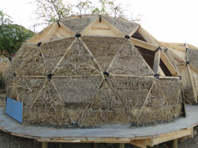 30 Geodesic Dome Ideas For Greenhouse Chicken Coops